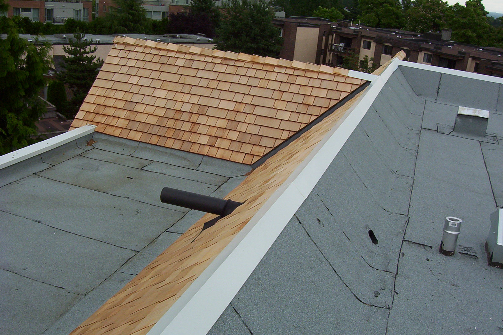 Oakridge 4 Wings Apartment New Roof Roy Dennis Roofing