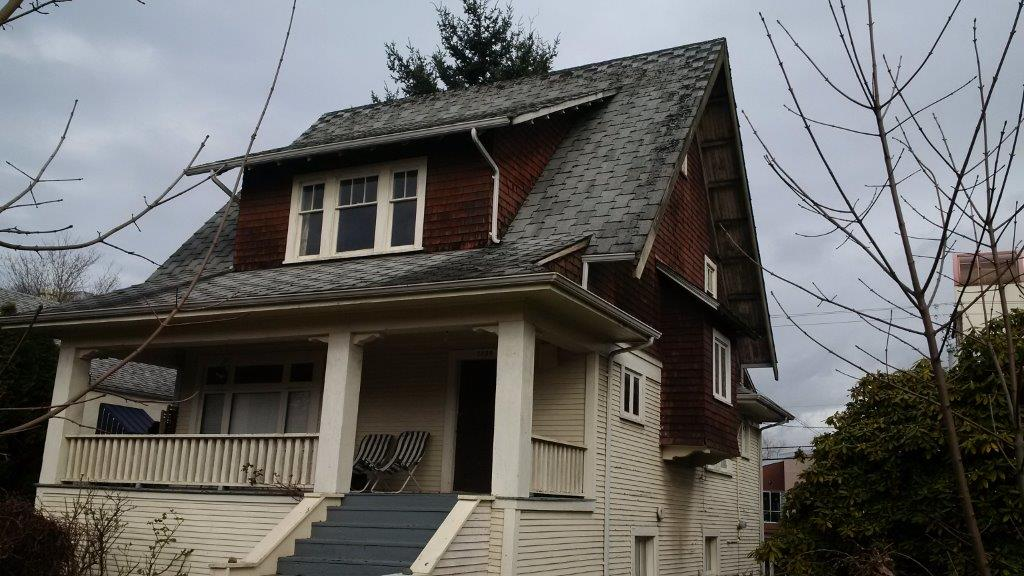 Residential roofing project